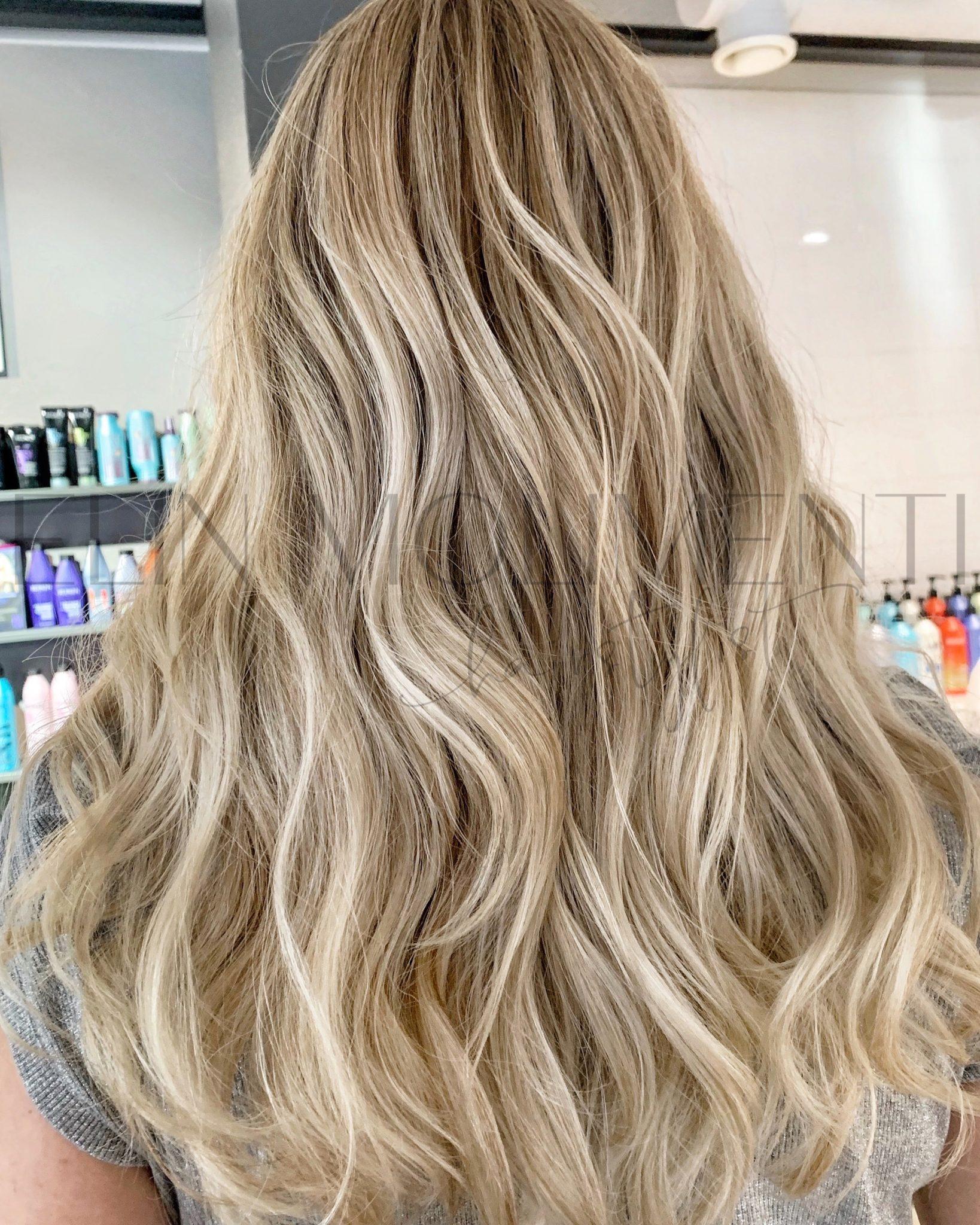 bruna slingor i blont hår tips
